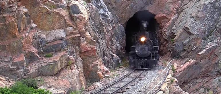 Иллюстрация к сказке Поездка в подземелье